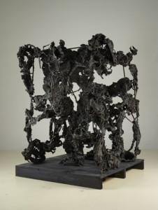 Karl Karner - 493 x 493 AUS SAMTKASTEN, 2012, Bronze, Holz, 155 x 155 x 220 cm
